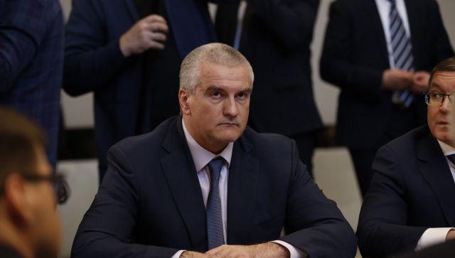 Аксенов отреагировал на отставку правительства России