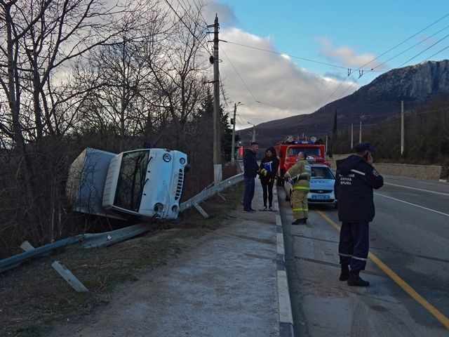 Скользкая дорога спровоцировала ДТП на трассе Симферополь-Ялта