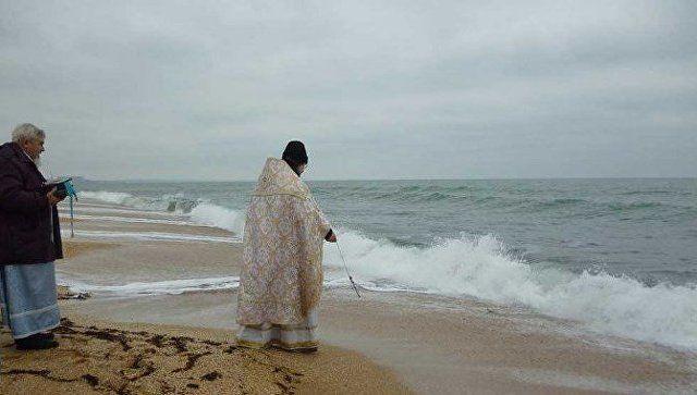 Крещенские купания на юго-востоке Крыма: где и когда освятят море?