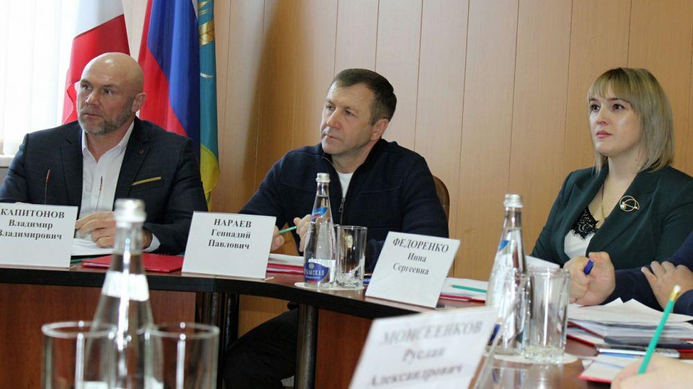 Геннадий Нараев совершил рабочую поездку в Джанкойский район