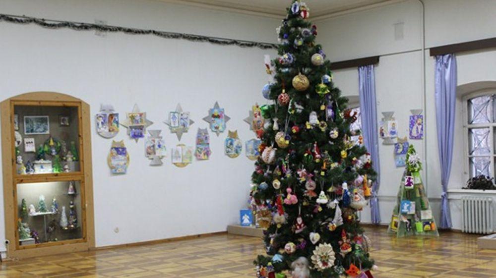В День Крещения Господня состоится торжественное закрытие выставки-конкурса детского рисунка и рождественских елочных игрушек