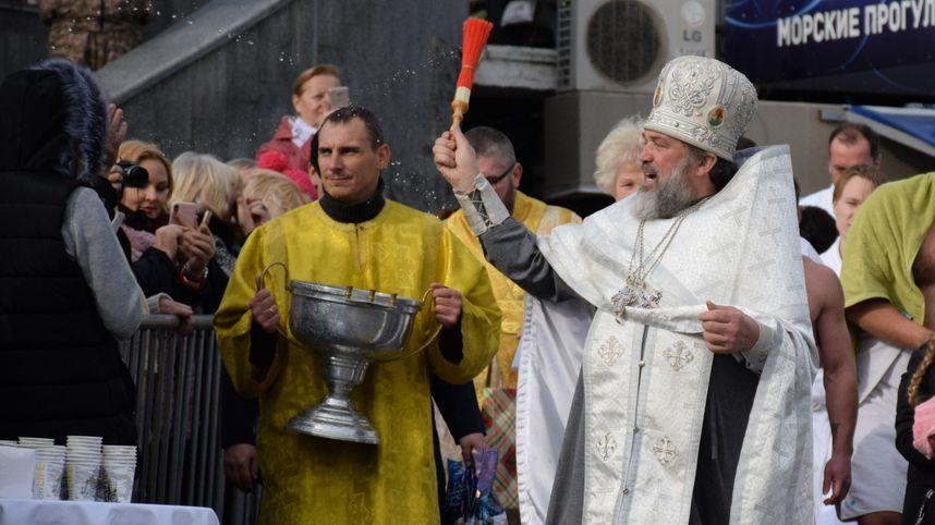 Крещение в Ялте будут отмечать Крестным ходом, молебном и омовением в Черном море