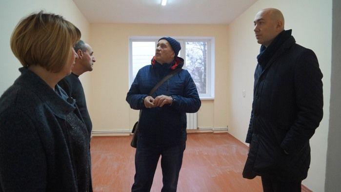 Владимир Трегуб посетил объекты строительства и ремонта Прудовского сельского поселения
