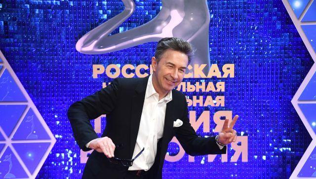 Украинский ведущий возмутился гастролями российских звезд