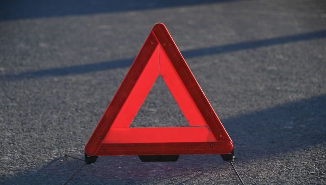 """В результате аварии на трассе """"Таврида"""" человек заброкирован в авто"""