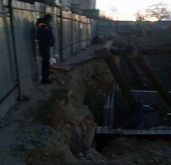 В Севастополе в траншее теплотрассы обнаружено тело человека