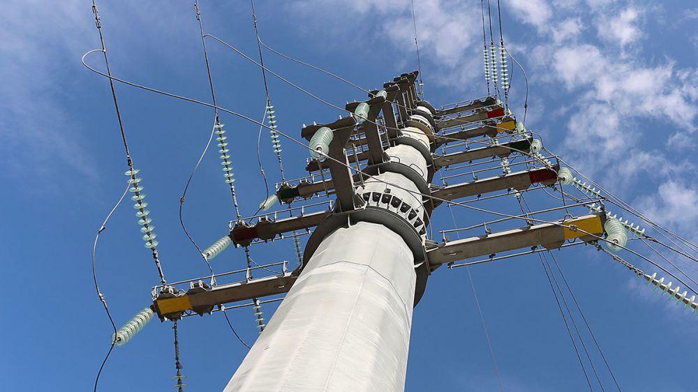 Для присоединения новой подстанции 110 кВ Аянская к существующей электрической сети ГУП РК «Крымэнерго» установило уникальную опору высотой 36 метров и весом более 26 тонн