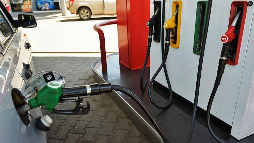 Сергей Аксёнов: В Крыму с завтрашнего дня будет снижена стоимость топлива