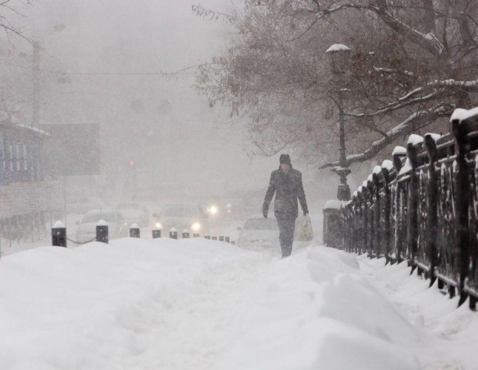 Снег, метель и гололедица: Крым ждет резкое похолодание