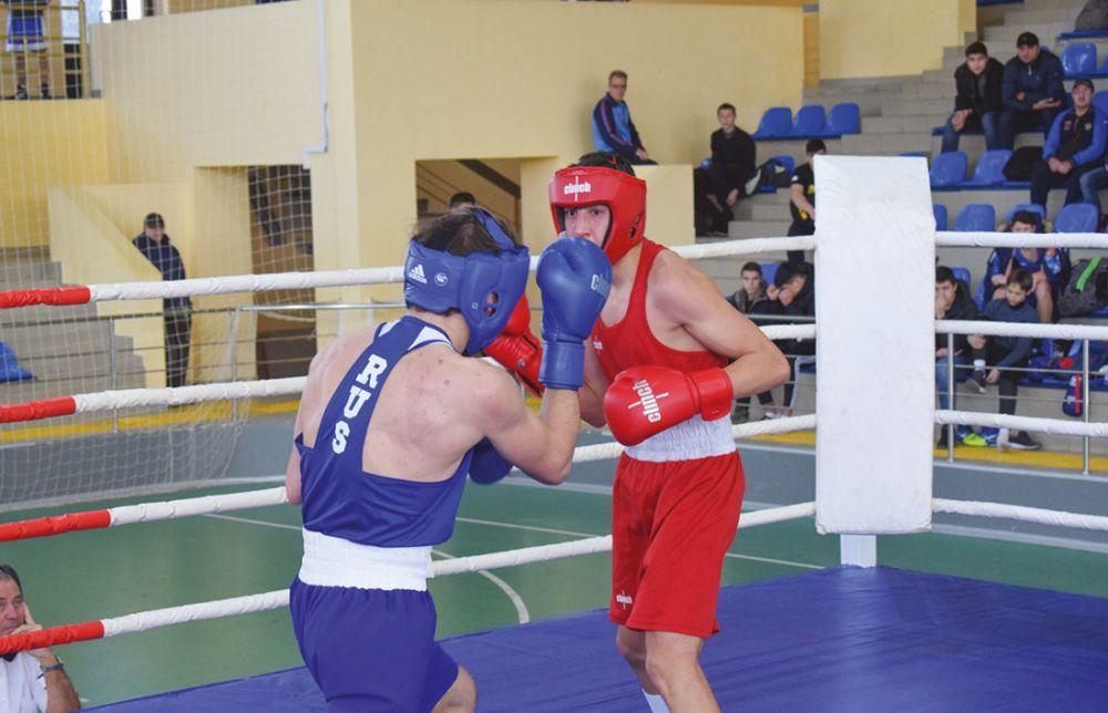 В Симферополе прошло первенство Крыма по боксу