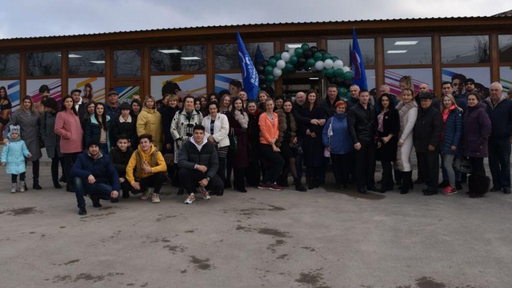 В пгт.Нижнегорский открыли тренажерный зал