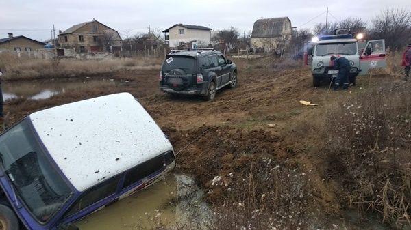 МЧС Республики Крым рекомендует автолюбителям воздержаться от поездок по труднопроходимой местности