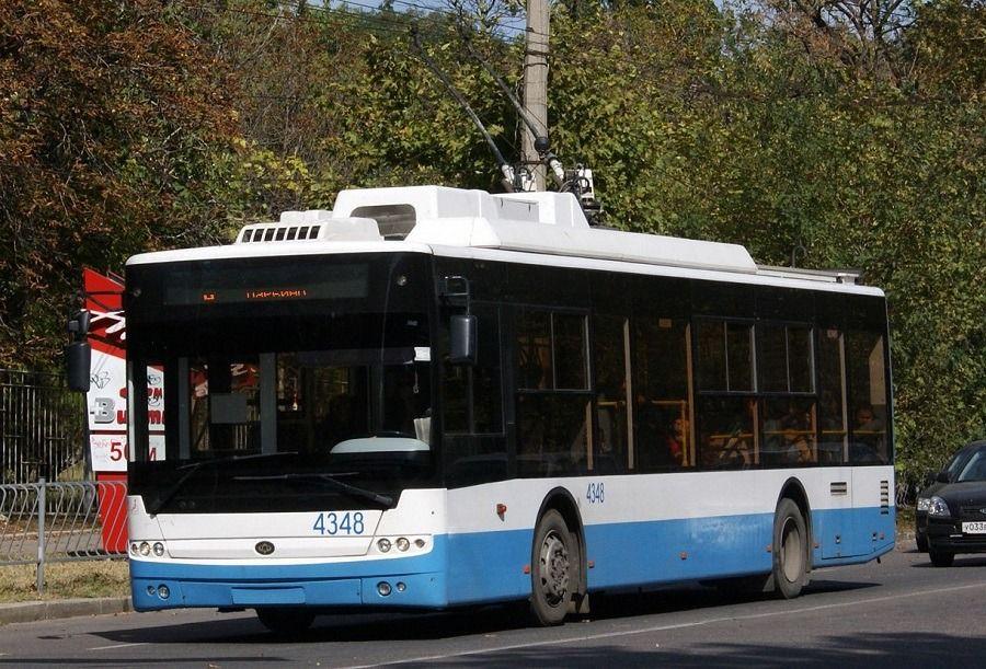 В Симферополе остановилось движение троллейбусов