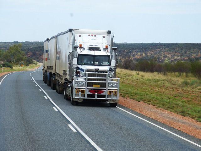 Минтранс Крыма ограничит движения грузового транспорта по дорогам, не рассчитанным на такие нагрузки