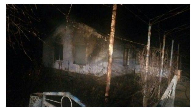 В Крыму на пожаре в частном доме погибла женщина - фото