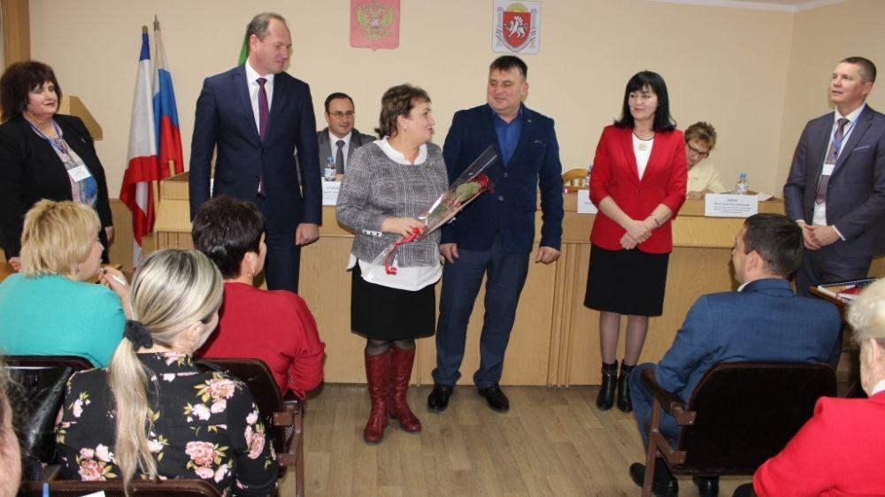 Михаил Слободяник встретился с министром образования, науки и молодежи Республики Крым Валентиной Лаврик