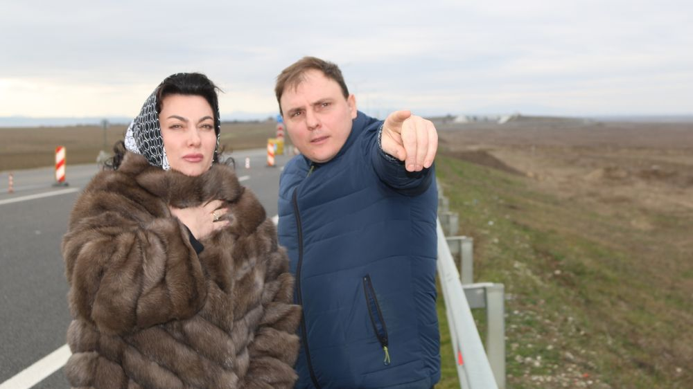 Арина Новосельская осуществила выезд в Ленинский район с целью проведения встречи с инициатором строительства мемориального комплекса