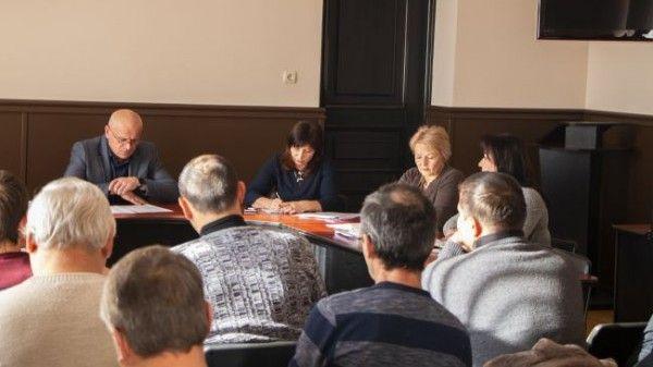 Подготовку к летнему сезону обсудил с пользователями пляжей глава администрации Судака Игорь Степиков