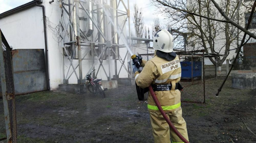 Огнеборцы ГКУ РК «Пожарная охрана Республики Крым» провели пожарно-тактическое занятие по ликвидации условного пожара в котельной