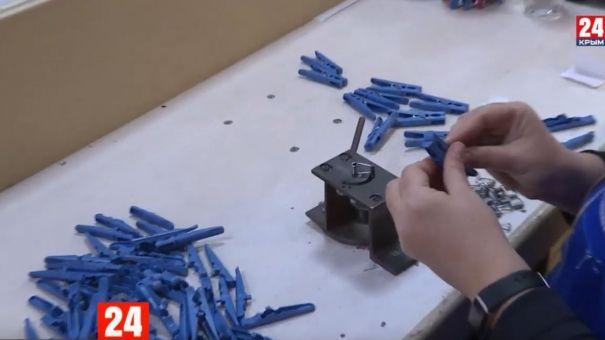Как живут и работают слабовидящие на симферопольском заводе