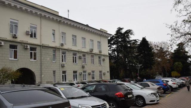 Житель Ялты ранил себя в здании администрации на глазах у чиновников