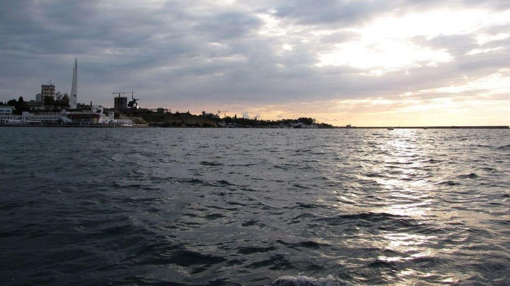 В Севастополе до трех часов ночи искали пропавшего каякера
