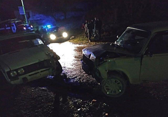 Под Алуштой столкнулись два автомобиля: пострадал ребенок