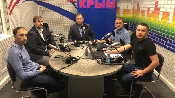 С должниками услуг ЖКХ должны работать государственные органы, а не коллекторы – Петров
