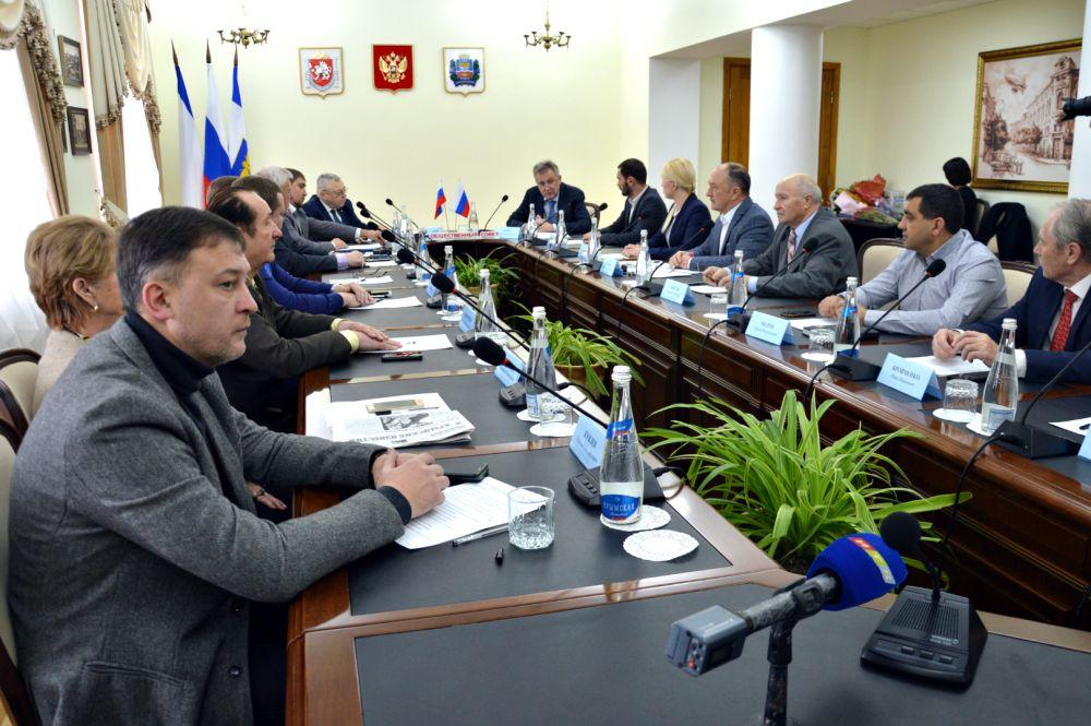 В Симферополе начал работу новый Общественный совет