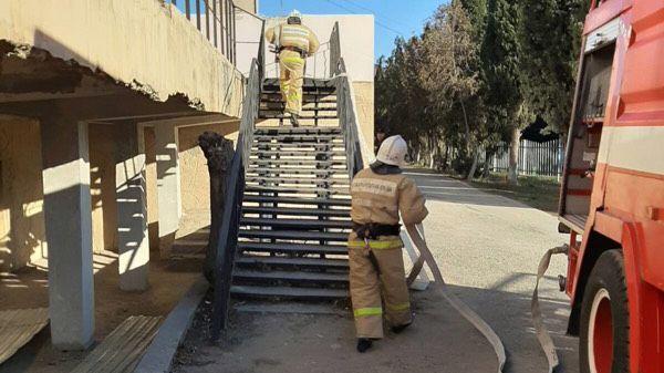 Сотрудники ГКУ РК «Пожарная охрана Республики Крым» продолжают проводить пожарно-тактические занятия на социально значимых объектах