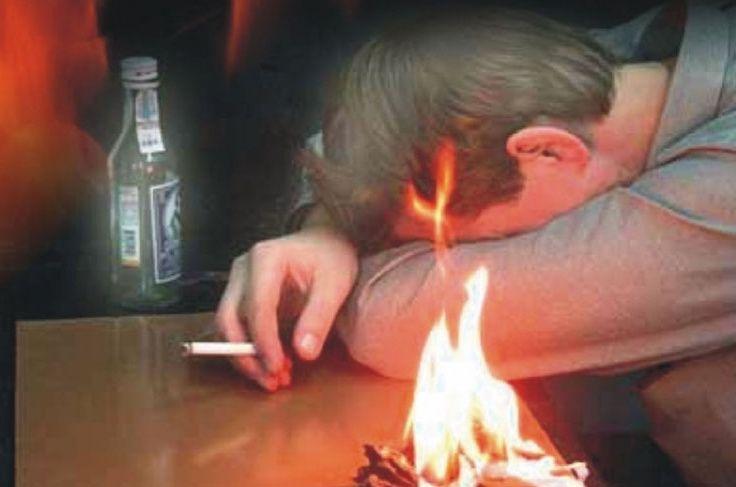 Пьяный крымчанин спалил квартиру и едва не сгорел в ней сам