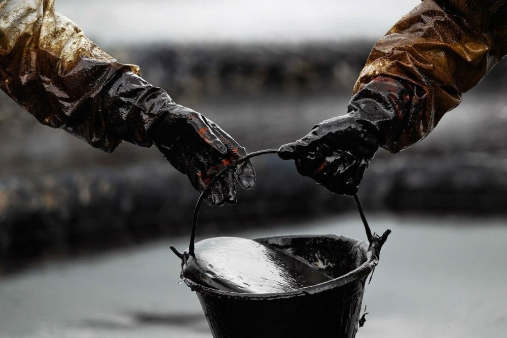 Возле берегов Крыма обнаружено крупное нефтяное пятно: эксклюзивные подробности