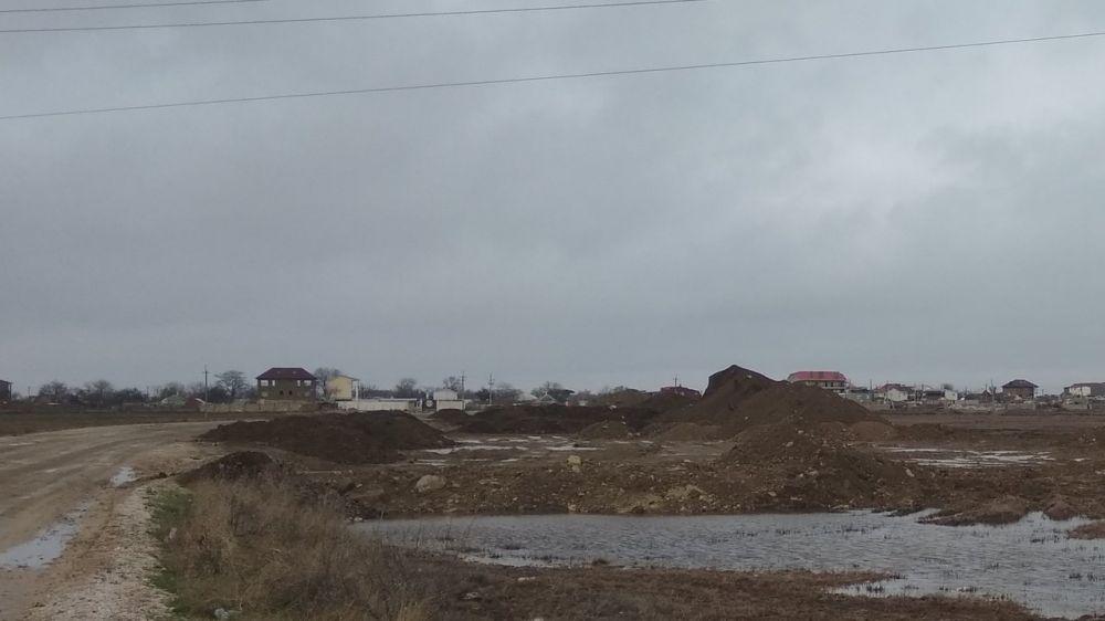 Госинспекторами Минприроды Крыма выявлено несанкционированное складирование грунта вблизи с. Курортное Ленинского района