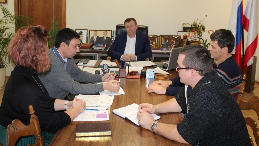 Геннадий Нараев провел рабочую встречу с директором Радиотелевизионного передающего центра Республики Крым Геннадием Гордеевым