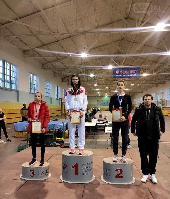 Спортсмены Ялты завоевали 17 медалей в Чемпионате Крыма по легкой атлетике