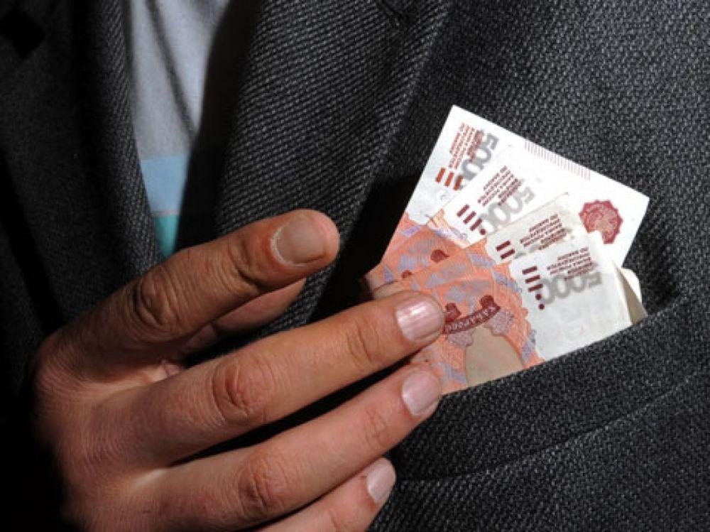 В Ялте на взятке судебному приставу попался должник