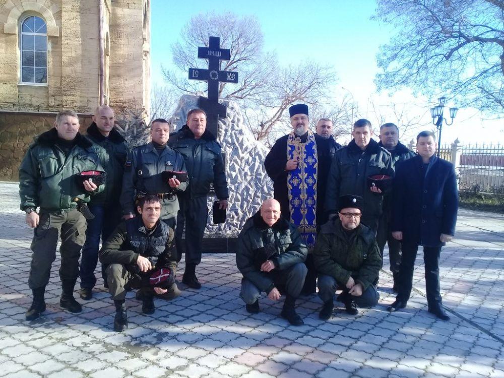 В Евпатории отслужена панихида о казаках, священнослужителях, женщинах и детях, погибших в годы геноцида