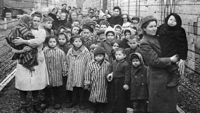 Аксенов оценил попытки Запада переписать историю Второй мировой войны