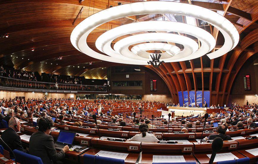 Комитет ПАСЕ отклонил большинство поправок к резолюции о подтверждении полномочий России