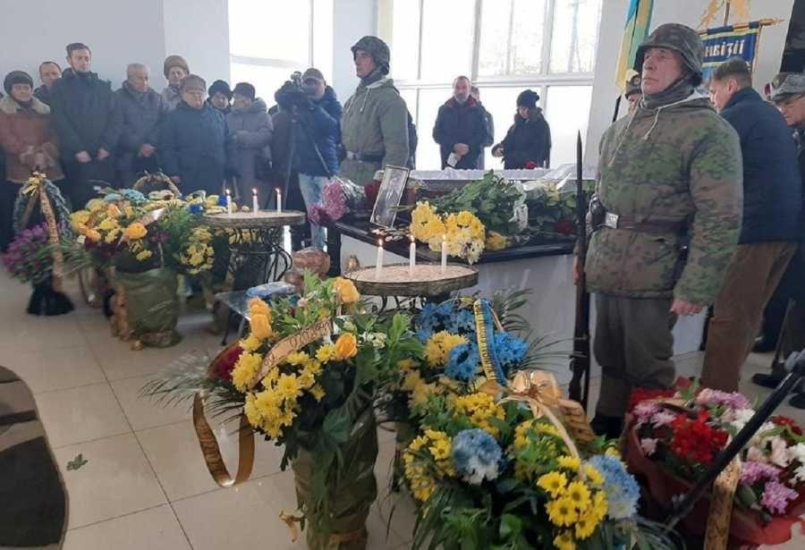 На Украине с нацистскими почестями похоронили командира эсэсовцев