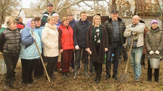 В селе Светлое Джанкойского района заложен парк к 75-й годовщине Великой Победы