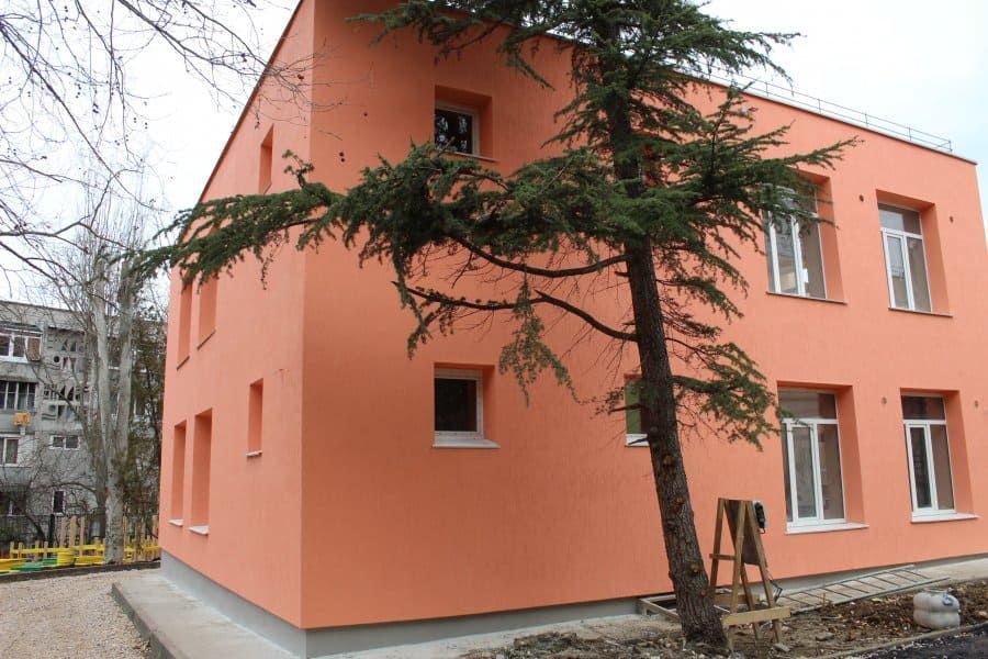 Как идет капремонт детского сада № 127 на улице Хрусталева