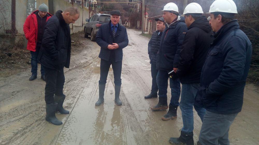 Василий Недзельский проверил ход реконструкции сетей водоснабжения в селе Нижняя Кутузовка