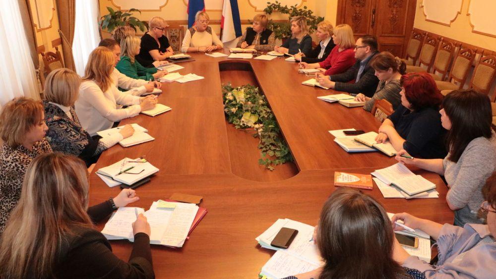 В Минфине Крыма состоялось аппаратное совещание по неотложным вопросам деятельности ведомства