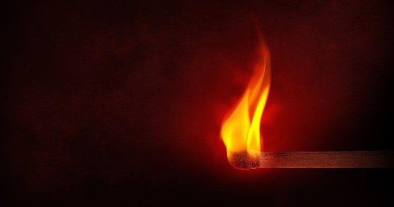 В Краснокаменке сегодня ночью вспыхнул пожар, пострадал мужчина
