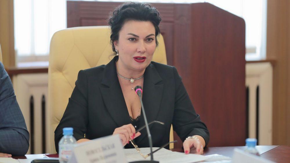 Арина Новосельская: Минкульт Крыма продолжает поставки музыкальных инструментов в Детские школы искусств