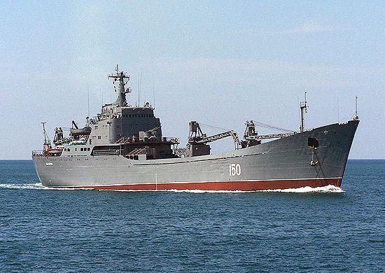 Погрузку техники на большой десантный корабль отработали морские пехотинцы ЧФ