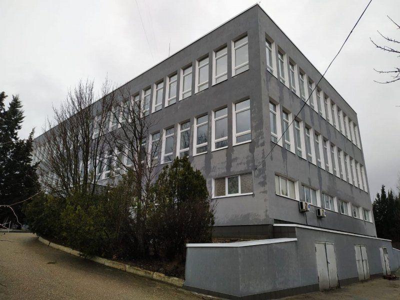 За 32 млн рублей. В Севастополе ремонтируют лечебно-административный корпус психиатрической больницы