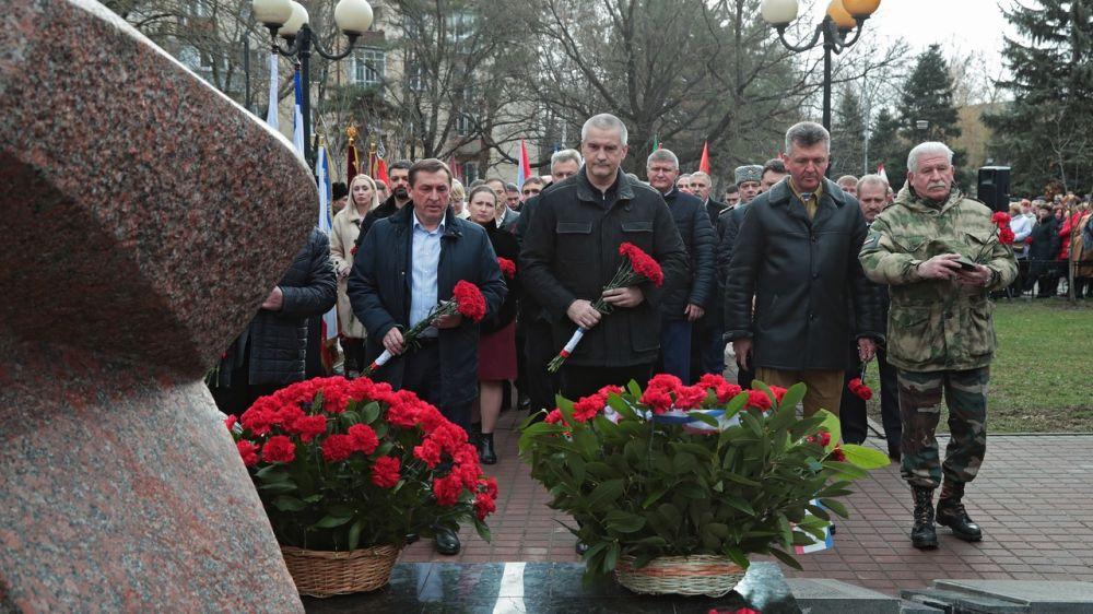 Сергей Аксёнов принял участие в митинге, посвящённом Дню памяти о россиянах, выполнявших служебный долг за пределами Отечества, и 31-й годовщине вывода советских войск из Афганистана