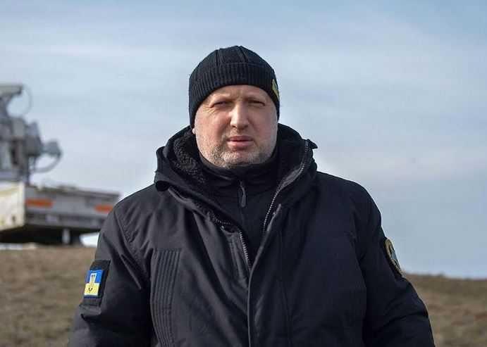 Турчинов рассказал, как США кинули Украину